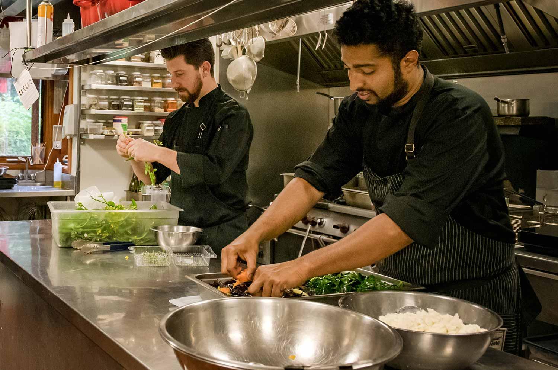 Kitchen_staff-web